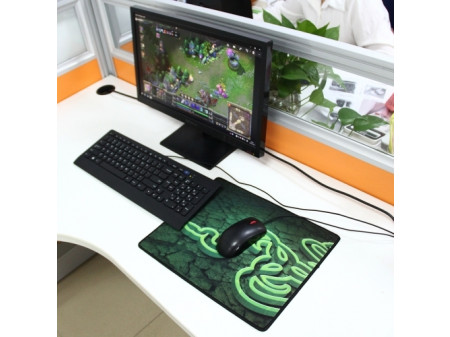 EXTENDED LARGE GOLIATHUS KEYBOARD AND MOUSE PAD 35CM X 28CM GREEN